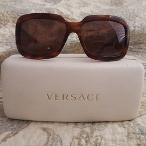 gorgeous authentic Versace sunglasses